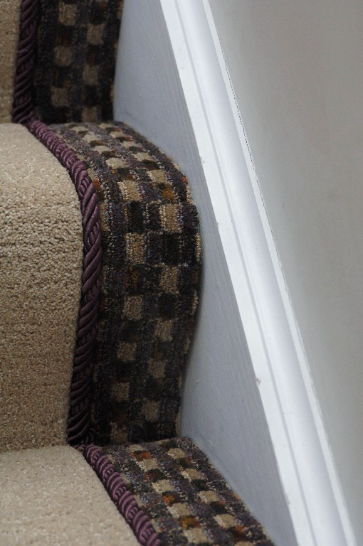 Stair carpet custom border with cording